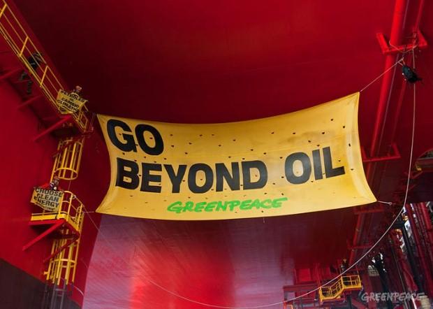 Greenpeace compie 45 anni, le immagini più belle dei blitz in difesa dell'ambiente