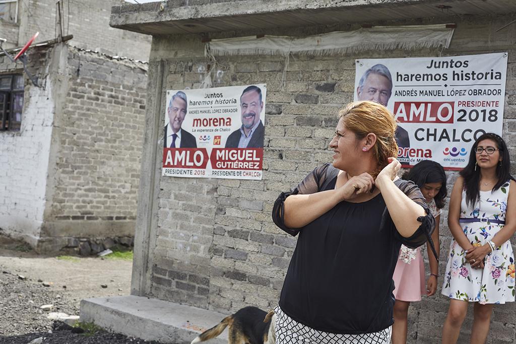 Keskiluokan lattioita kuuraavat kotiapulaiset aikovat äänestää vasemmiston voittoon Meksikossa